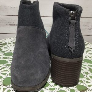 NWOB TOMS Lacy Forged Iron Suede Ankle Boot